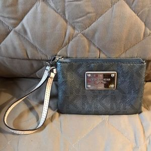 Authentic Michael Kors small wristlet